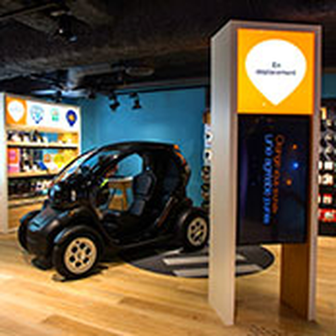 "Boutique Orange Le Grand Val - L Isle Adam - L'espace ""En déplacement"""