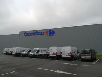 CARREFOUR LOCATION ST RENAN