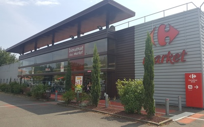 CARREFOUR LOCATION CHASSIEU