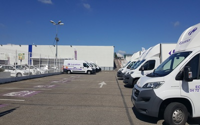 CARREFOUR LOCATION ECULLY
