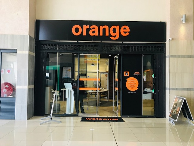 Orange shop Diphalane Mall