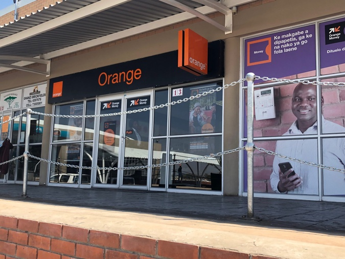 Orange shop Taung Mall