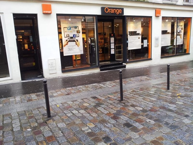 Boutique Orange Rue Duhesme - Paris 18